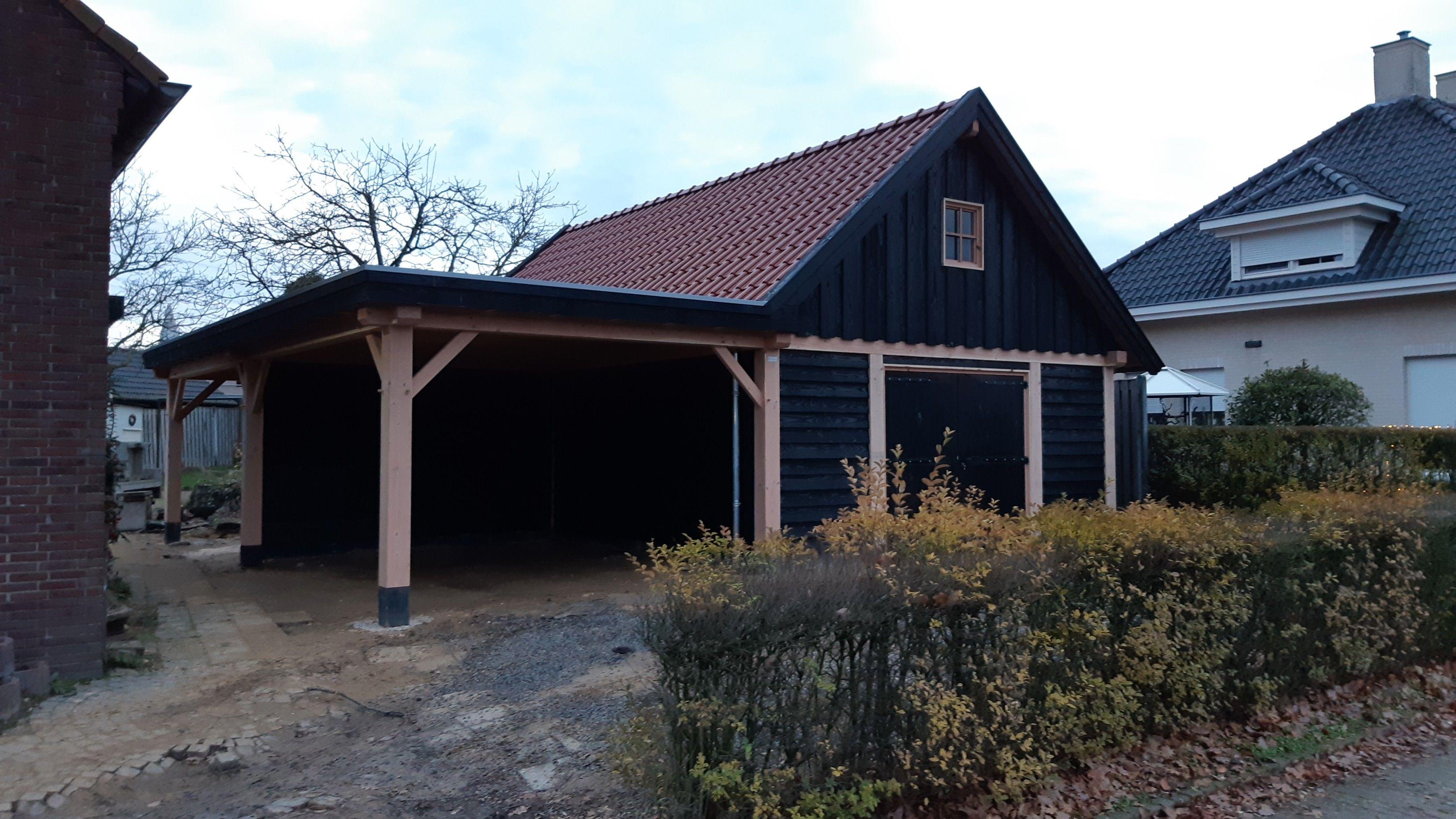 Douglas schuur met carport en veranda Emmen 573